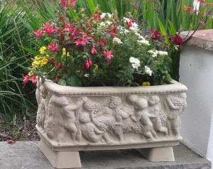 Stone Garden Planters And Troughs 2018 price list and picture catalogue sheptonclassicstone cobble trough 32 tr3 comes with feet 28x 11 workwithnaturefo